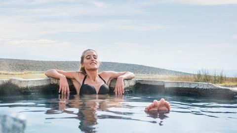 Sie badet im Whirlpool: Danach fehlt ihr fast ein Körperteil
