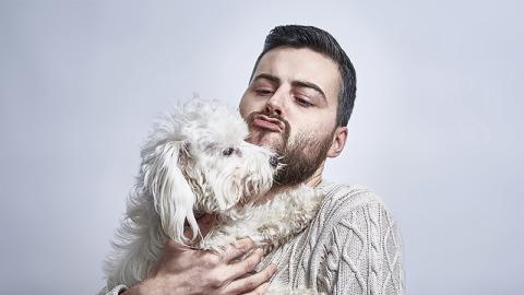 Hunde riechen diese Persönlichkeit der Menschen mit ihrer Spürnase!