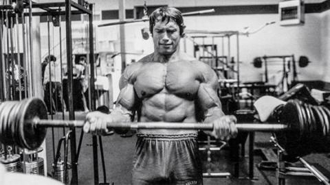 Arnold Schwarzeneggers unmenschliches Training als Mister Univers!