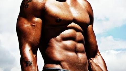 Wie kann man seine Bauchmuskeln trainieren, um diesen Sommer am Strand zu punkten?