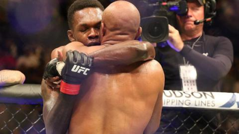 UFC 234: Bewegende Szenen zwischen Israel Adesanya und Anderson Silva (Video)