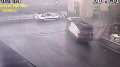 Video: Polizei veröffentlicht Überwachungsvideo vom Brückeneinsturz in Genua