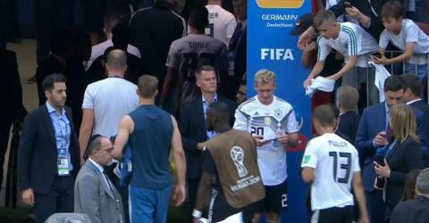 Nationalspieler Julian Brandt sorgt mit Aktion nach Mexiko-Pleite für Wut bei den Fans