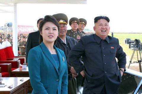Wer ist die Frau an der Seite von Nordkoreas Diktator Kim Jong-un?