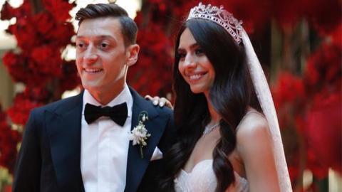 Mesut Özil: Darum darf sein Vater nicht zur Hochzeit kommen