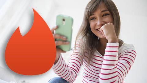 Studie enthüllt: Aus diesem Grund nutzen Frauen die Dating-App Tinder wirklich