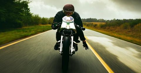 Motorrad: Was steckt hinter dem Bikergruß?