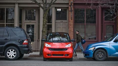 Auto: Darf ich mit dem Smart quer parken oder ist das verboten?