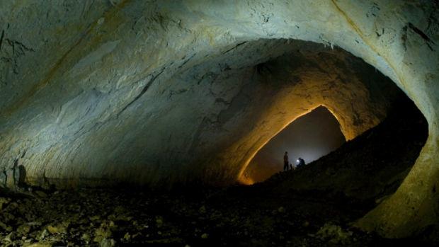 Eine unberührte Grotte in Rumänien!