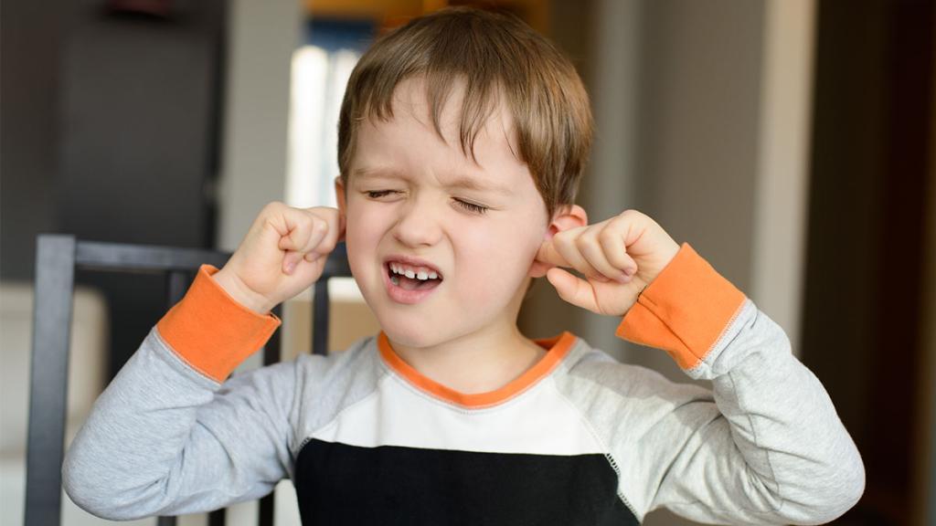Baby Fasst Sich Ständig Ans Ohr