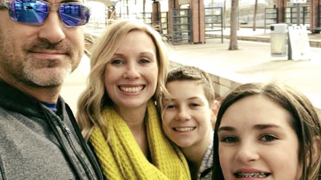 Moderne Erziehungsmaßnahme: Vater bringt 15-jährige Tochter mit verrückter Aktion auf Instagram zum Nachdenken