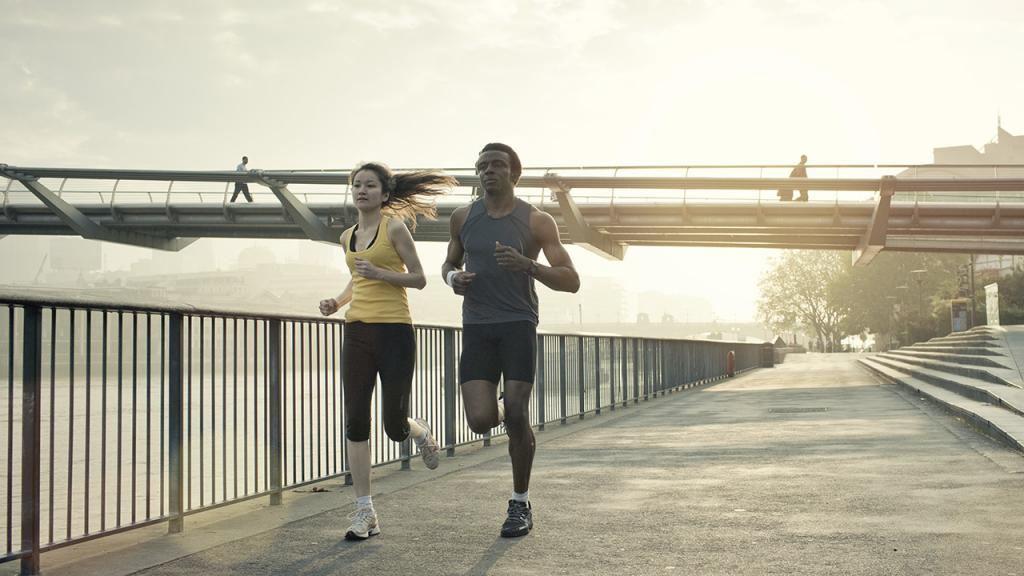 So lange müsstest du joggen, um die Kalorien bestimmter Lebensmittel zu verbrennen