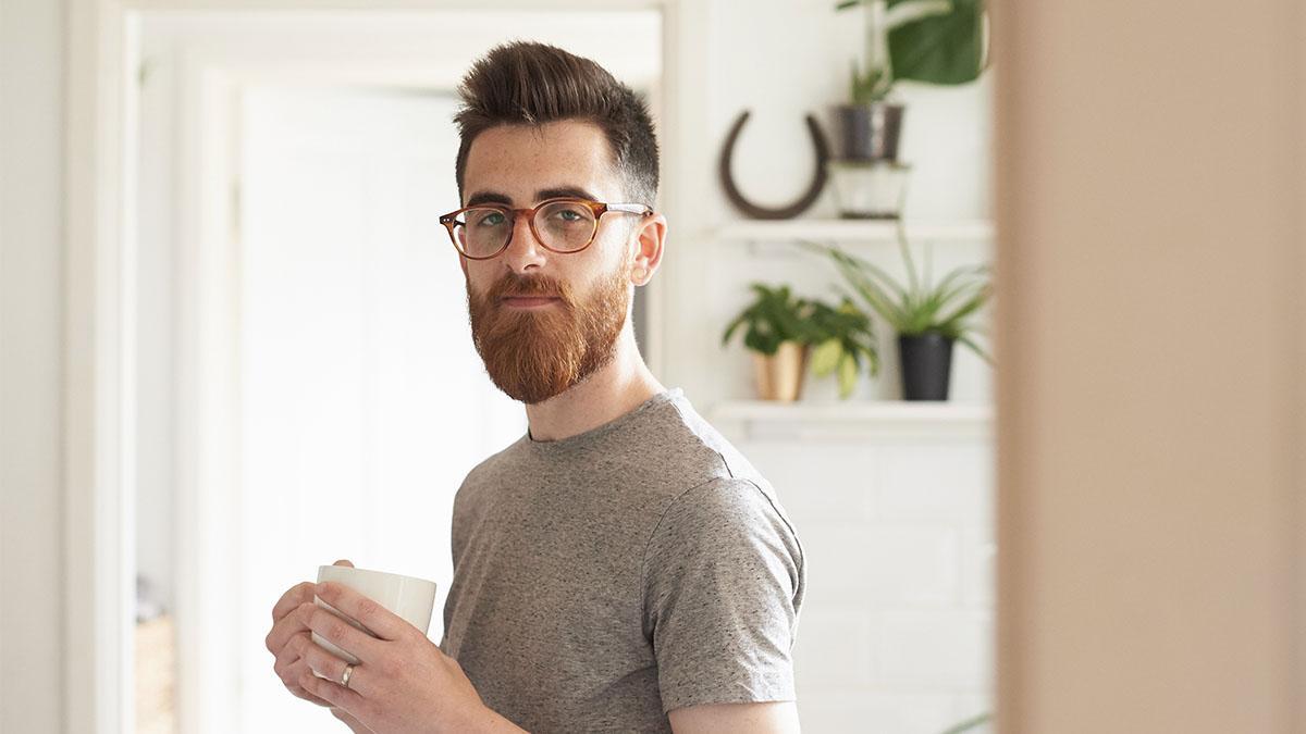 Bizarrer Bartwuchs-Trend führt zu Ohnmacht