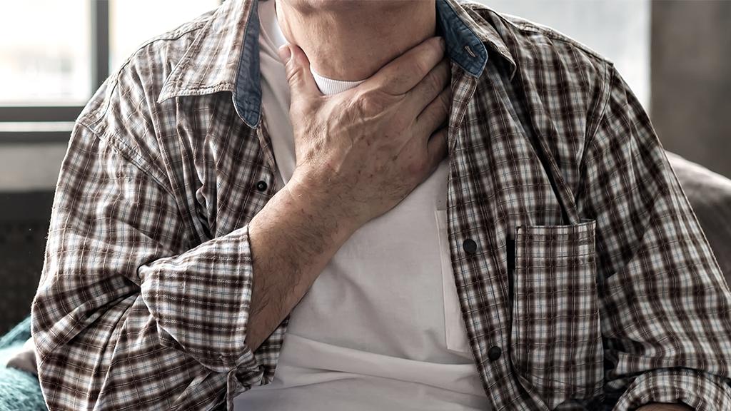 So lässt sich eine Kehlkopfentzündung früh erkennen und natürlich behandeln