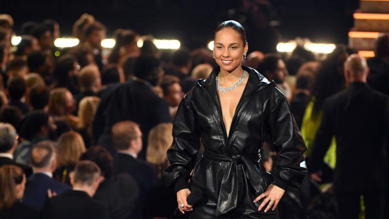 """""""Lebe deine Kreativität"""": Alicia Keys ermutigt ihren kleinen Sohn, bunten Nagellack zu tragen"""