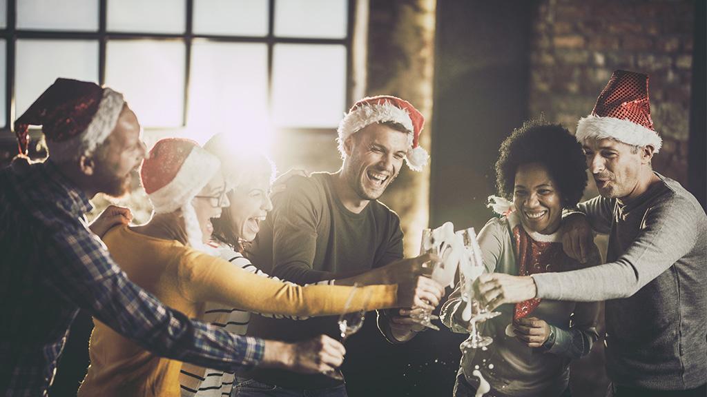 Weihnachtsfeier im Büro: So macht Mann alles richtig bei der Outfitwahl