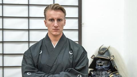 18-jähriger Deutscher reist nach Japan: Dann kehr er als japanischer Kriegsadeliger zurück