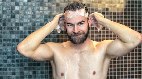 Experten warnen jetzt davor, jeden Tag zu duschen