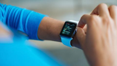 Neue Technologie: Apple entwickelt neue Apple Watch, die im Kampf gegen Parkinson hilft