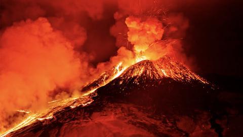 2.000 Jahre nach Vesuv-Ausbruch: Glasige Substanz in menschlichem Skelett entdeckt