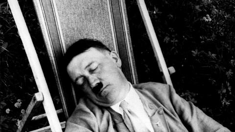 Doppelter Selbstmord: Wissenschaftler beweisen, dass Hitler sich zweimal umgebracht hat