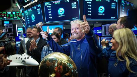 Konkurrenz für Jeff Bezos: Richard Branson will neun Tage vor ihm ins All fliegen!