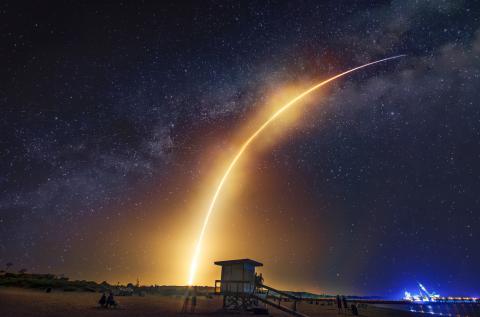 SpaceX: Die erste komplett touristische Crew fliegt heute ins All