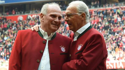 Franz Beckenbauer entschuldigt sich bei Uli Hoeneß reumütig für Fehler aus Vergangenheit