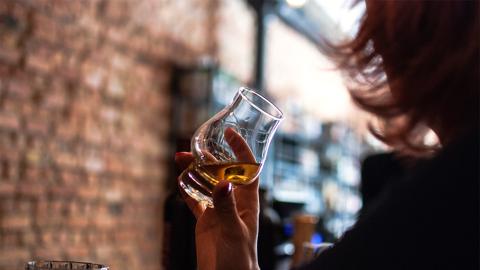 Mit diesem Trend besiegt sie ihre langjährige Alkoholsucht