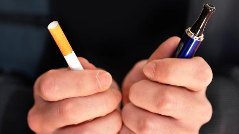 Dampf vs Tabak: Was wissen wir wirklich über E-Zigaretten?