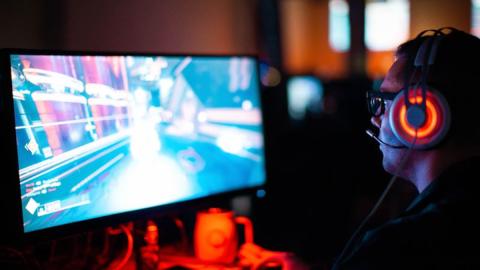 So wirkt sich Online-Gaming auf unser Gehirn aus