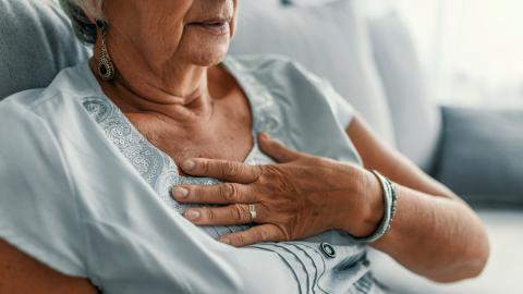 Seniorin leidet seit 10 Jahren an Erbrechen: Dann entdecken Ärzte ihren Fehler