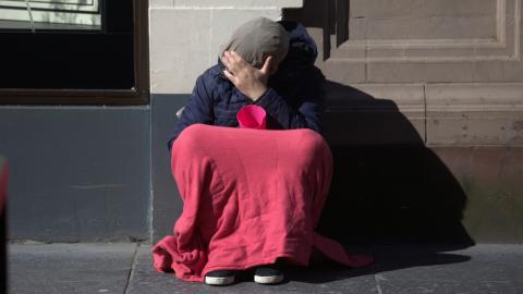 Soziale Vereinsamung: Sogar die Essensausgabe hat sich für Obdachlose verändert