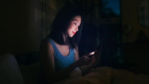 Beim Schlafen: Künstliches Licht hat negative Folgen auf unsere Gesundheit