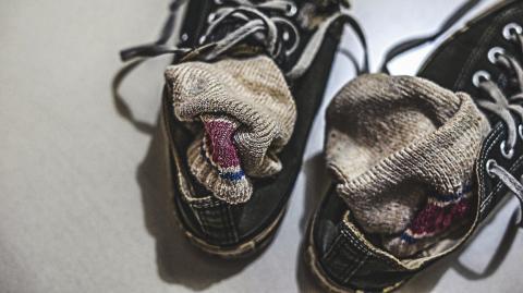 Wegen Socken-Marotte: Mann landet todkrank in der Notaufnahme