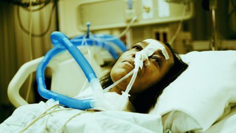 Vapen: Eine 18-Jährige erlebt körperliche Tortur, seitdem sie E-Zigaretten raucht