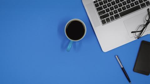 Studie: Was Forscher auf Kaffeetassen am Arbeitsplatz finden, ist wirklich ekelhaft