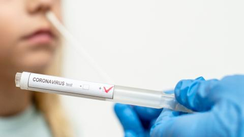 Ärzte warnen vor Corona-Heimtests: Diese Gefahren stecken dahinter