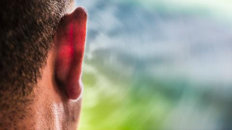 Wenn dein Körper eines dieser Geräusche macht, solltest du sofort zum Arzt