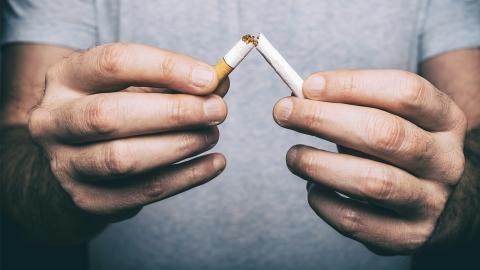 Suchtpsychologe verrät: Dieser Tipp hilft am besten, um mit dem Rauchen aufzuhören