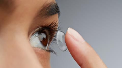 Was das Coronavirus für Träger von Kontaktlinsen bedeutet