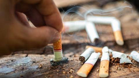 Diese Tätigkeit schädigt unsere Lungen mehr als Rauchen, aber wir machen es alle täglich!