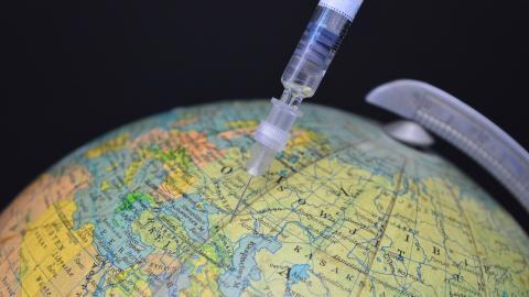 Sputnik V: Deutsche Politiker wollen Einsatz des russischen Impfstoffes