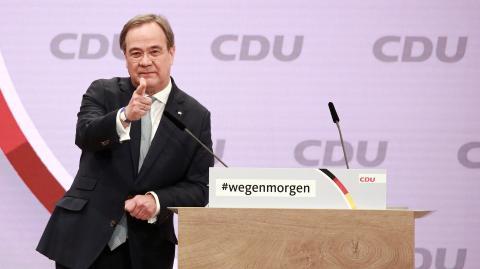 "Corona: Heftige Kritik an Laschet wegen ""Brückenlockdown"""