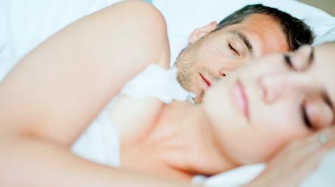 Neue Corona-Studie: Schlaf hat großen Einfluss auf die Ansteckungsgefahr