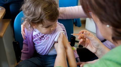 Herdenimmunität: Kinder müssen laut Experten schnellstens geimpft werden