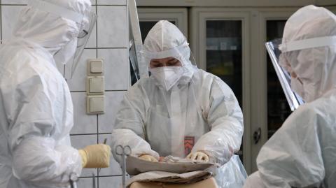 Corona-Erkenntnisse: Was Ärzte in Körpern von Corona-Toten gefunden haben