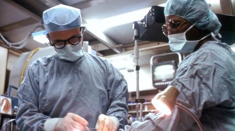 Hannover: Frischgebackene Mutter bekommt neue Lunge nach Covid-19-Infektion