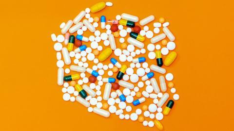 Covid-19: Die Einnahme dieser Medikamente hat im vergangenen Jahr besorgniserregend zugenommen