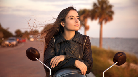Influencerin zeigt ihren eigenen Motorradunfall auf Instagram: Dieses Detail auf den Bildern empört alle